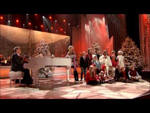 Santa Claus is Coming to Town - Andrea Bocelli, David Foster, Children's Choir