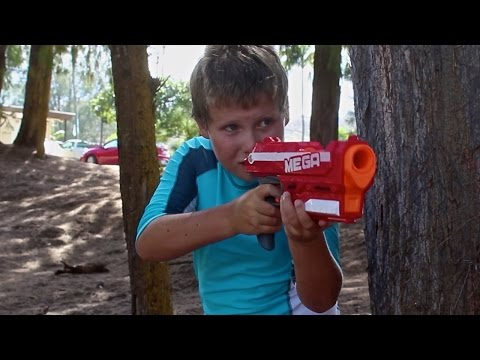 Nerf Duel: Boy vs Girl