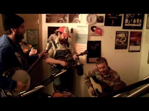 Trampled By Turtles - Empire (live at 89.1 KHOL)
