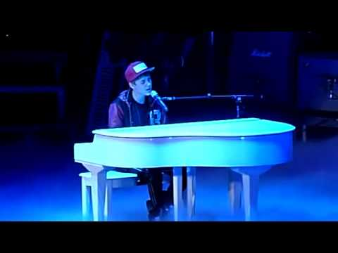 Justin Bieber - Down To Earth Live Rotterdam